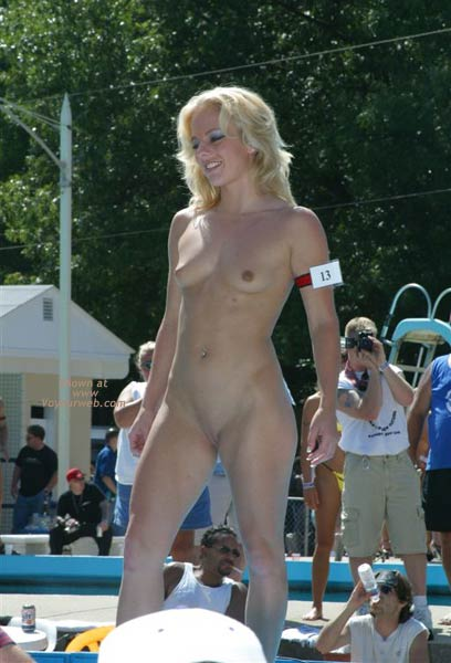 Pic #4 - Brian's Nudes Aug 2002 #12