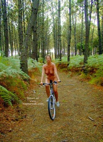 Pic #8 - Tina On A Bike, Tina A Velo