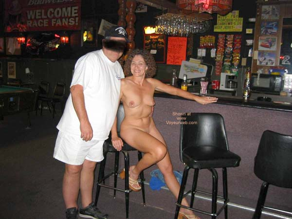 Pic #4 - Sexy Amber at Local Tavern