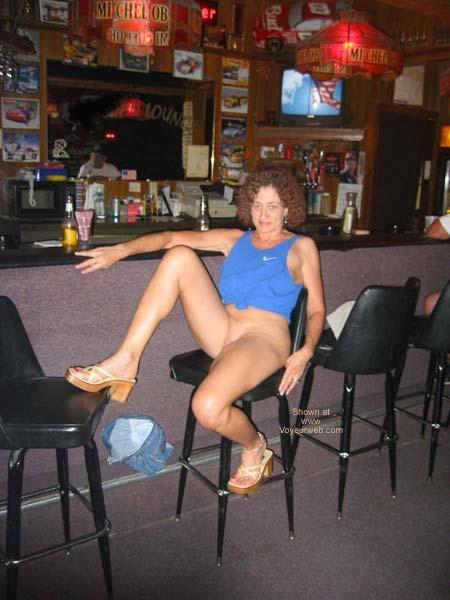 Pic #6 - Sexy Amber at Local Tavern
