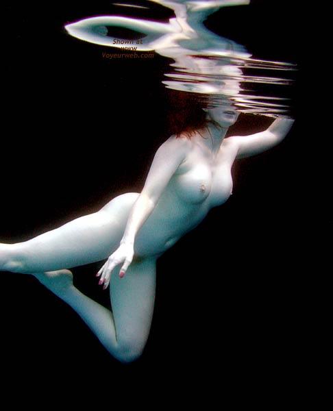 Pic #1 - *WA English Wife Water Dance