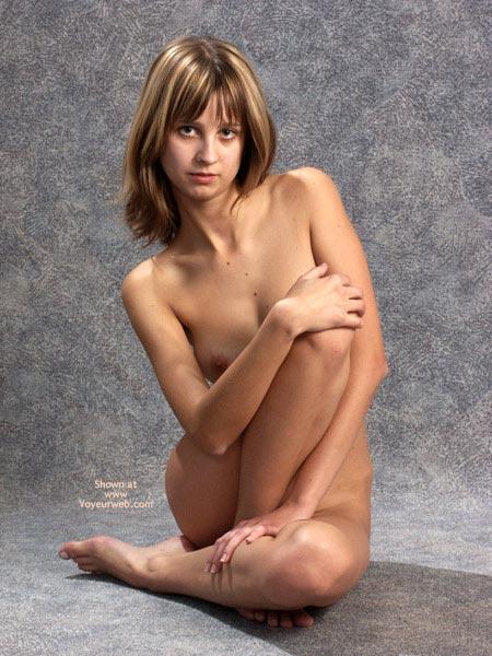 Pic #1 - Fotoshooting , Fotoshooting, Nipple Peaking, A Cups, Nipple Peeking