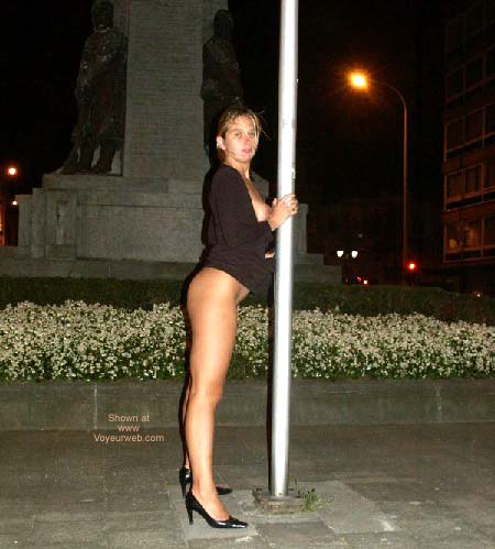 Pic #1 - Gabriela Pole Dancing
