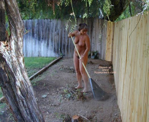 Pic #5 - TM As Promised Working Around The House Nude