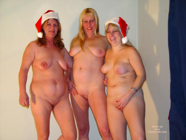 Pic #10 - Merry X Roxanne,Rosie And Mom