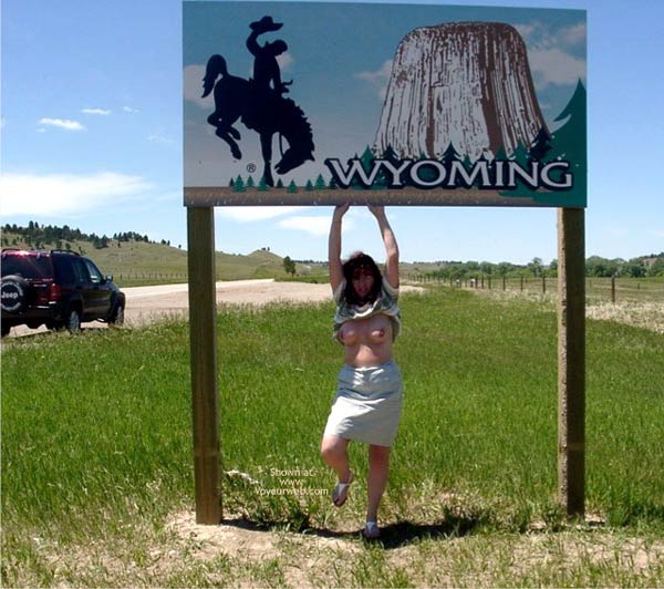 Pic #10 - Misti - Leaving South Dakota Entering Wyoming