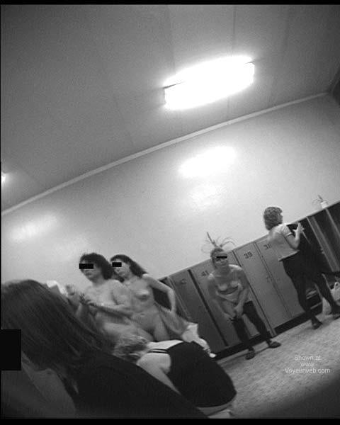 Pic #9 - Pool Dress Room