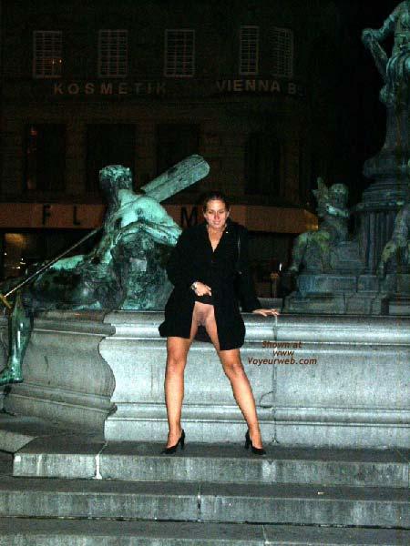 Pic #5 - Gabriela in SAS Hotel Vienna