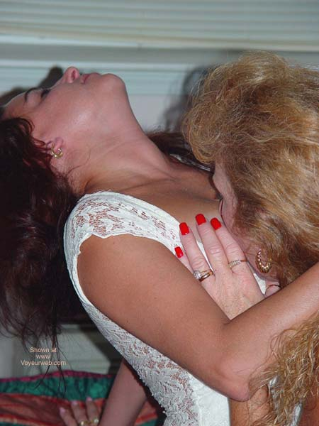 Pic #5 - *GG Cherokee and Pussnboots Lotsa Kisses