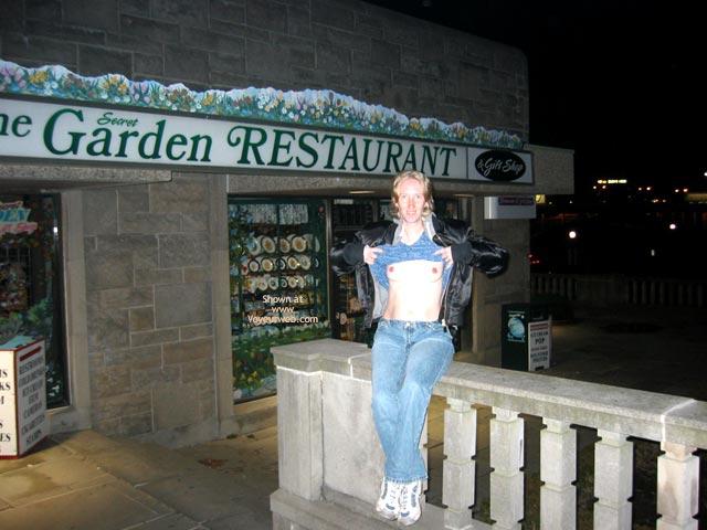 Pic #6 - Fraya In Niagara Falls 2