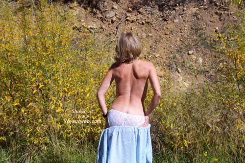 Pic #2 - Striptease in The Great Outdoors
