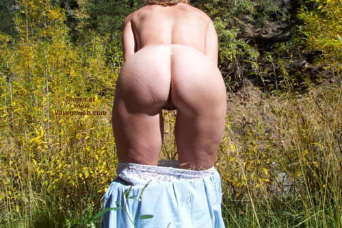 Pic #3 - Striptease in The Great Outdoors