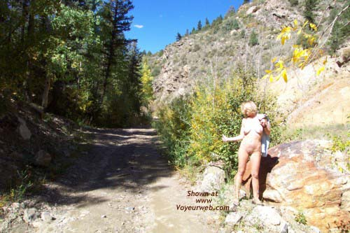 Pic #8 - Striptease in The Great Outdoors