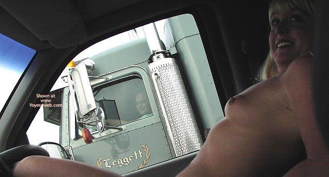 Pic #6 - Flashingal'S New Truck Flashing Adventure