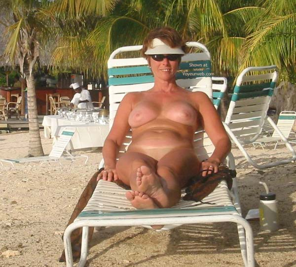 Pic #1 - Renee Naked On Not-A-Nude Beach