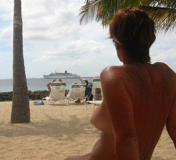 Pic #3 - Renee Naked On Not-A-Nude Beach