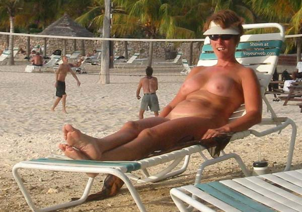 Pic #4 - Renee Naked On Not-A-Nude Beach