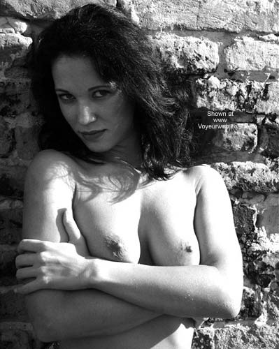 Pic #3 - Sexy Angelina - B&W Outdoors 2