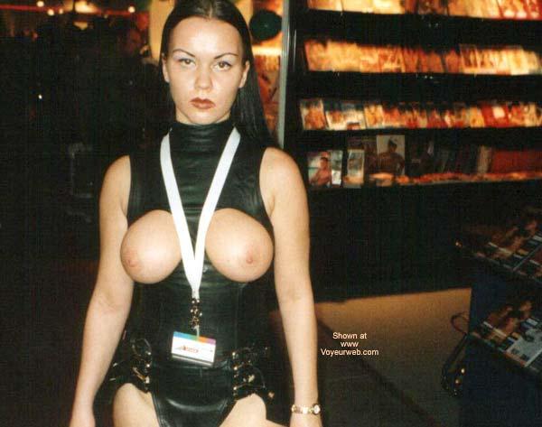 Pic #4 - Venus Erotic Fair 2001