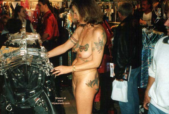 Pic #6 - Venus Erotic Fair 2001