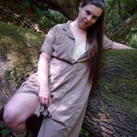 BBW Vicki Gets Naked in The Woods