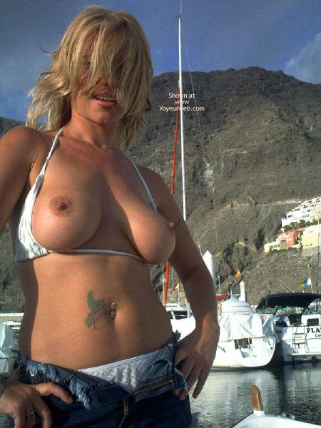 Pic #9 - Flashing by The Boats