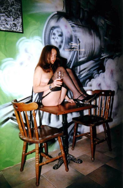 Pic #3 - Angela al Pub