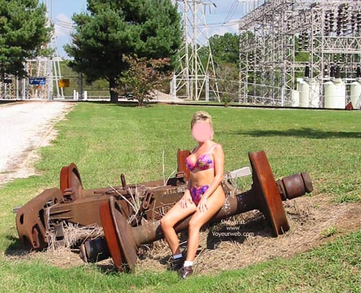 Pic #4 - Classy Wife - Roadside Attraction