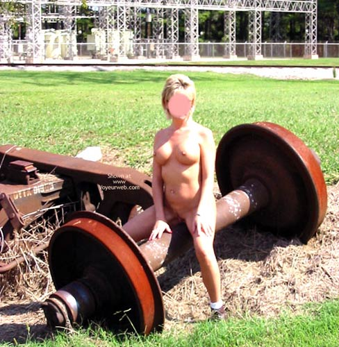 Pic #8 - Classy Wife - Roadside Attraction