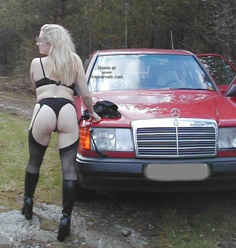 Pic #6 - Pee Babe Linda On a Mercedes