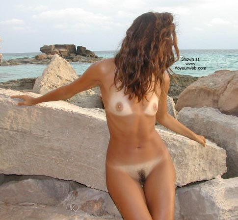Pic #1 - Sexy Lucy Kissed By The Sun