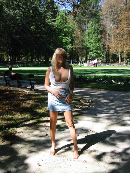 Pic #6 - A Sunny Day With Magalie