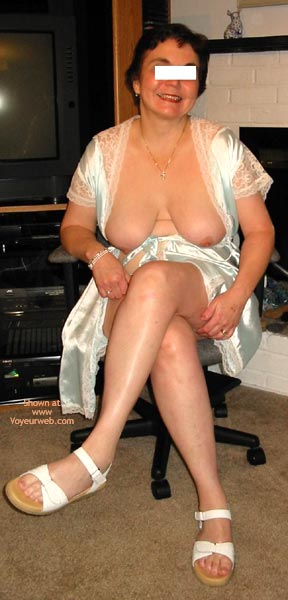 Pic #4 - Sluttyjj'S First Time On Web