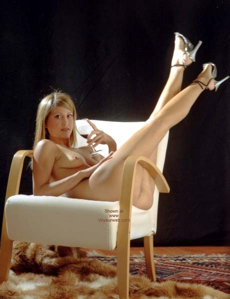 Pic #1 - Nanà: Blond Desire