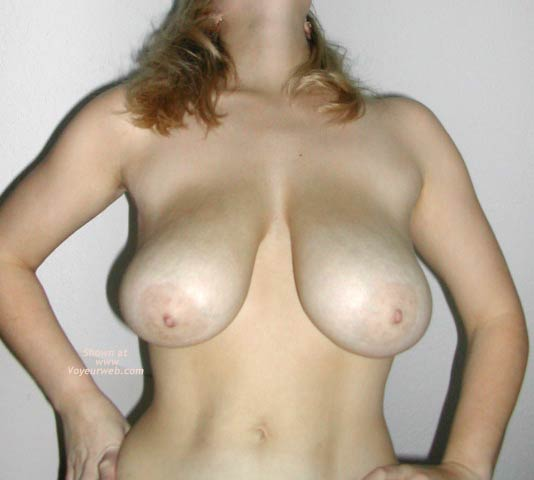 Pic #7 - Minnesota Wife Gets Undressed