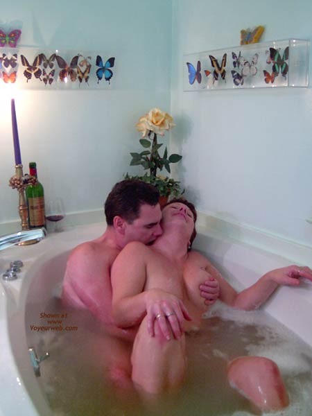 Pic #4 - *TU Tori Luv in The Bubbles