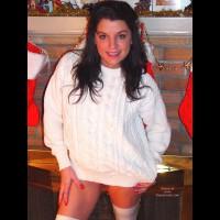Chero, Snuggly In White