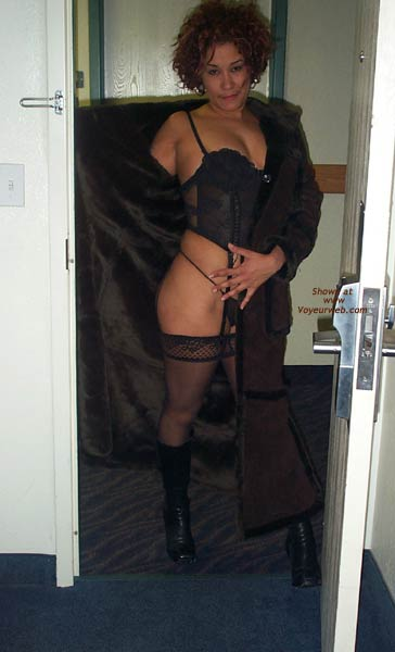 Pic #6 - Martina's Getting Hot