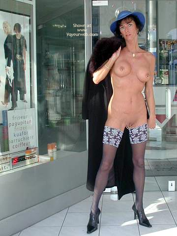 Pic #10 - Gwendy Sexy Outside in Nylons