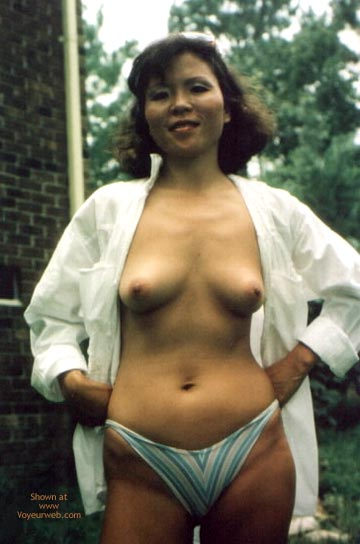 Pic #5 - Chinese Ming Topless Outdoors