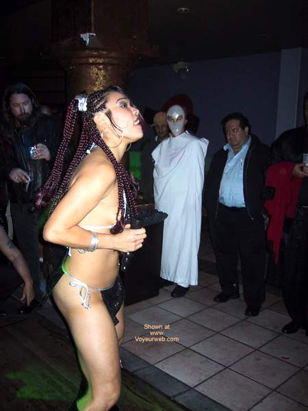 Pic #5 - Naughty Asian Gurl At a Club!