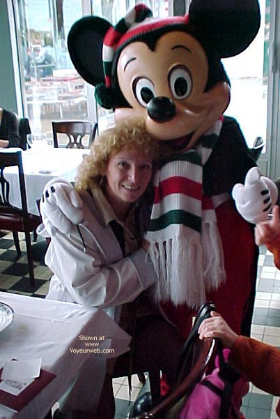 Pic #2 - Ma-al in Euro-Disneyland