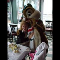 Ma-al in Euro-Disneyland