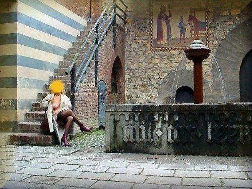 Pic #8 - Caty al Borgo Medioevale