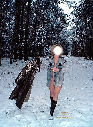 Pic #3 - Mausi Nackt Im Schnee