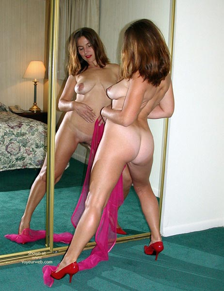 Pic #5 - Pinky Dance