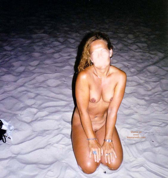 Pic #8 - Catti Striptease On The Beach 2  Color!!!
