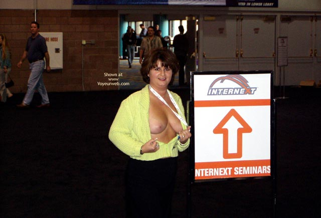 Pic #2 - NorCal Lady Flashing in Las Vegas