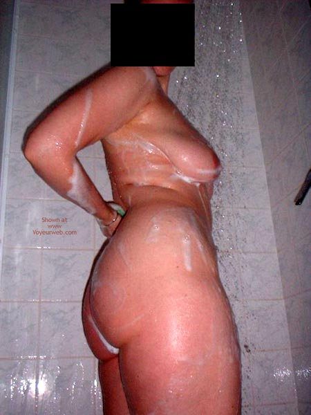Pic #4 - Tatjana in Shower