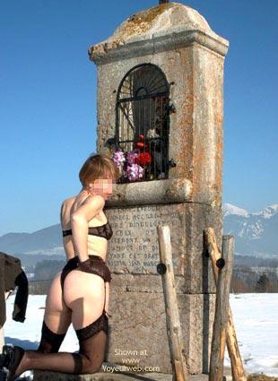 Pic #2 - Eva de France a la Neige